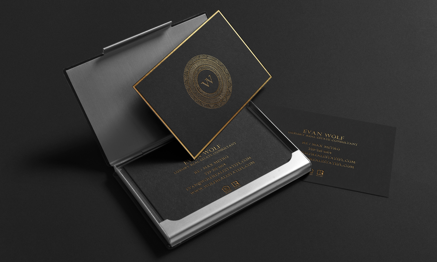 Black and Gold Luxury Business Card